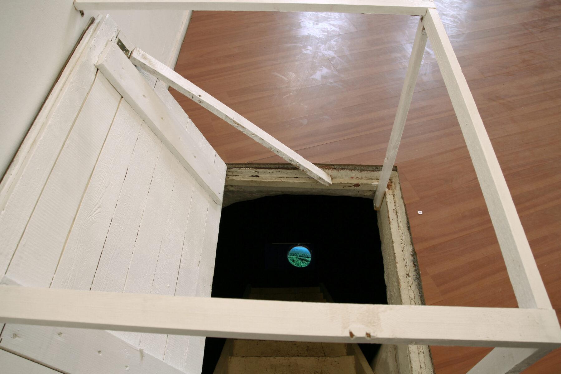 Cavity, video installation, Kunstraum T27, Neukölln, Berlin, 2011, Jane Hughes
